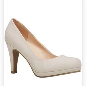 Chelm Nude Pump 8 1/2 Call it Spring